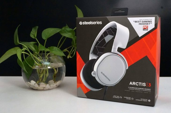 Arctis 3 Packaging Box Front