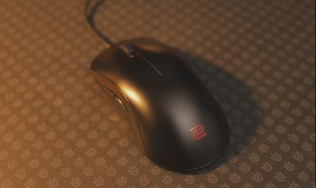 Zowie FK2 Gaming Mouse Review